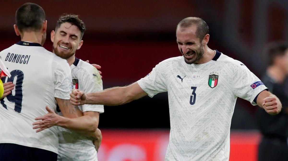 Hậu vệ: Giorgio Chiellini – Italia - 7,6 điểm