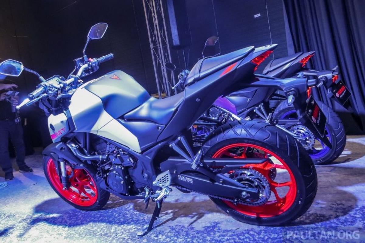 """Với chủ đề """"Bóng tối"""" của dòng MT, chiếc Yamaha MT-25 được mệnh danh là """"Rush of Darkness"""" (Tạm dịch là """"Màn đêm vội vã"""")."""