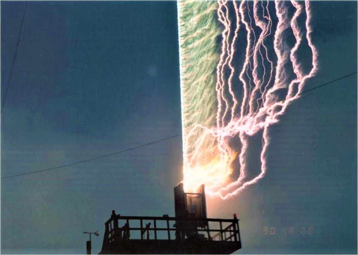 Sét kích hoạt được tạo ra trong Dự án Nimbus của DARPA ở Florida; Nguồn: forbes