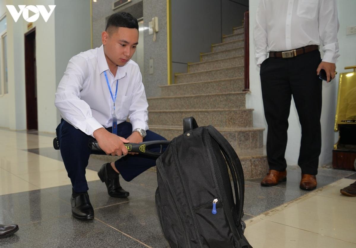 An ninh được thắt chặt tại Trung tâm diễn ra hội nghị. Công tác kiểm tra nghiêm ngặt
