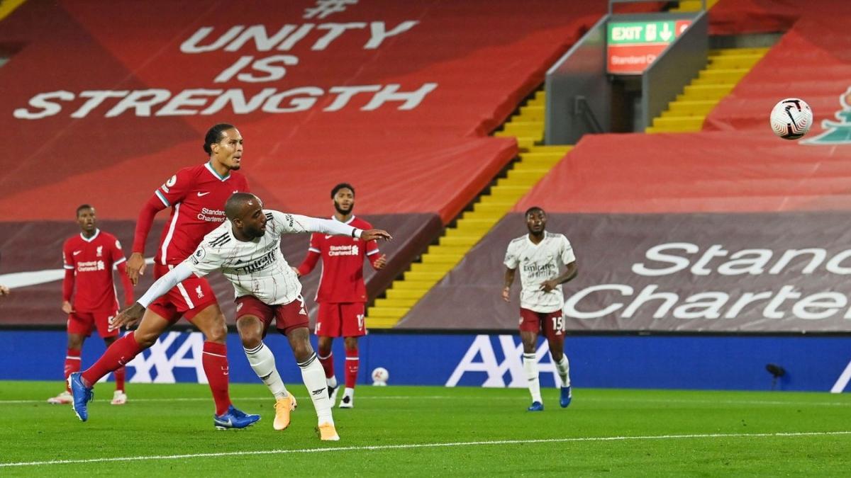 Dù làm khách và bị áp đảo nhưng Arsenal bất ngờ có bàn dẫn trước ở phút 25 của Lacazette.