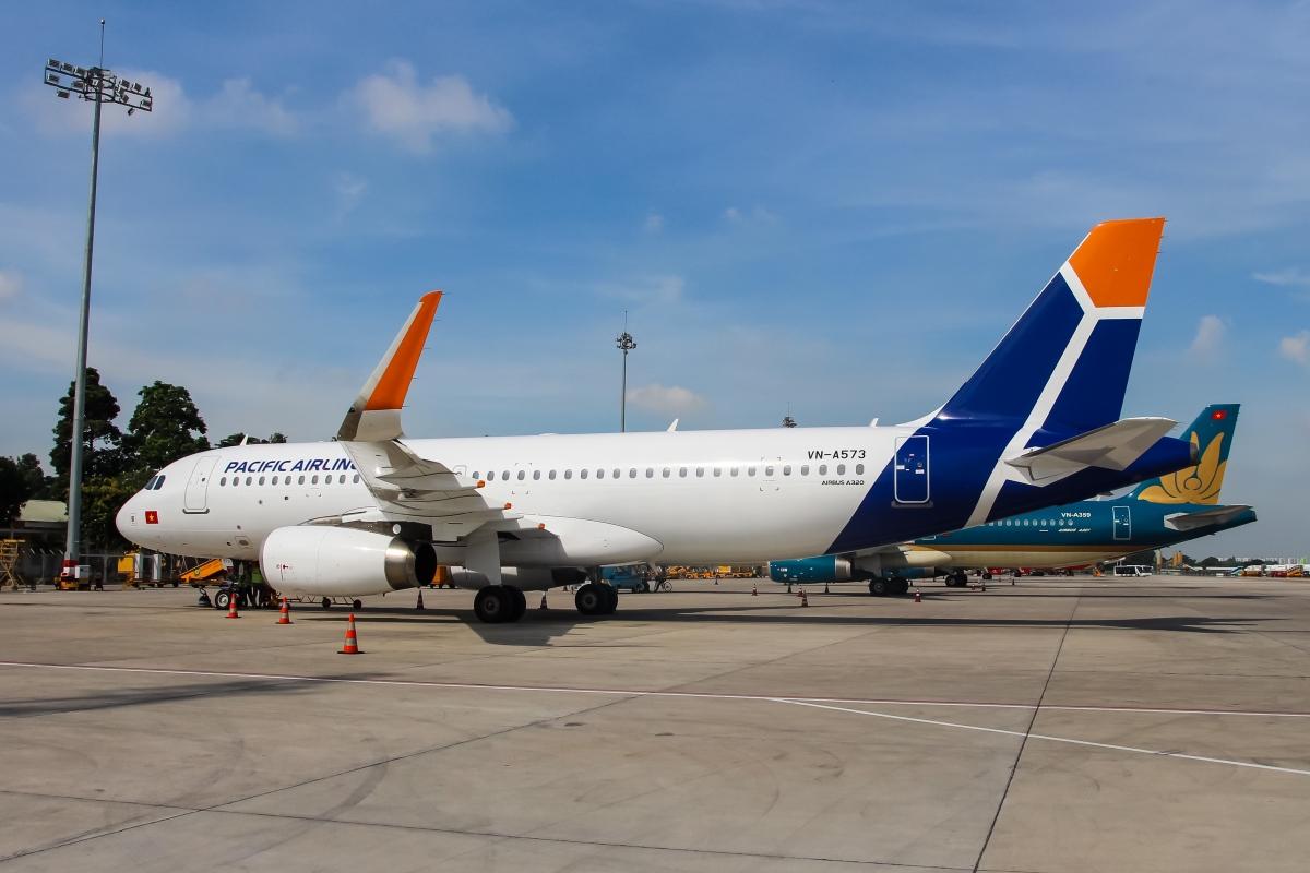Chiếc máy bay đầu tiên trong đội bay Airbus A320s của hãng hàng không Pacific Airlines được sơn hoàn thiện theo nhận diện thương hiệu mới.