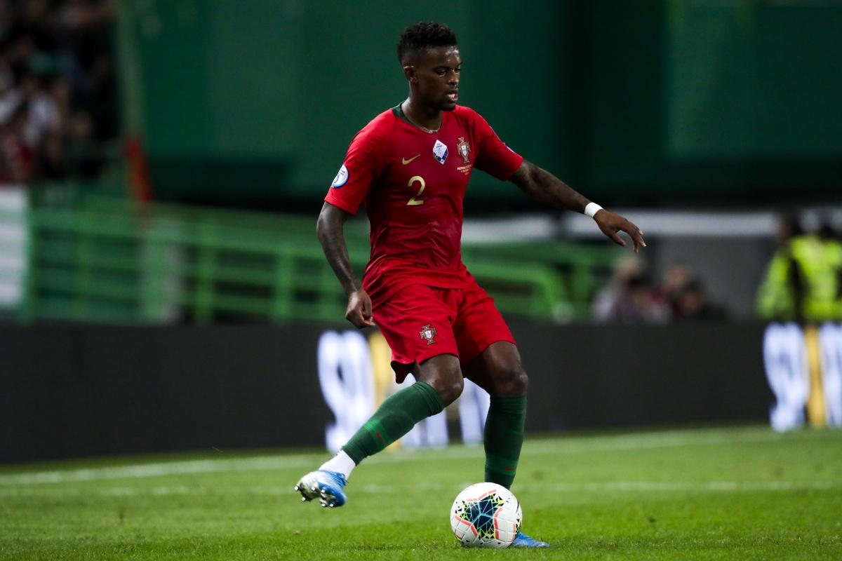 Hậu vệ phải: Nelson Semedo
