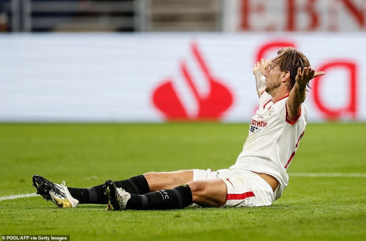 Sevilla có lý do để tiếc nuối khi đã chơi phản công rất hay và bỏ lỡ cơ hội ngon ăn của En-Nesyri ở phút 88.