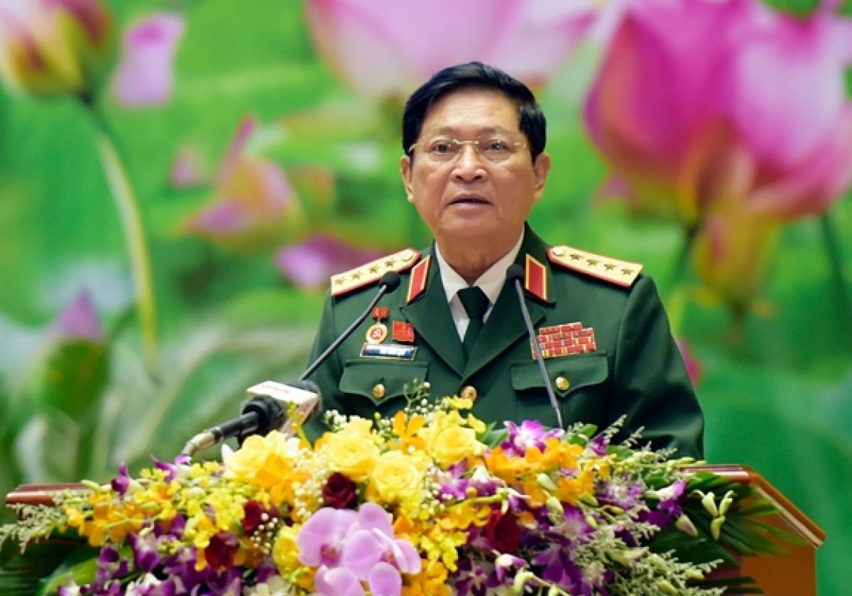 Đại tướng Ngô Xuân Lịch, Ủy viên Bộ Chính trị, Phó bí thư Quân ủy Trung ương, Bộ trưởng Bộ Quốc phòng phát biểu bế mạc đại hội. Ảnh: QĐND