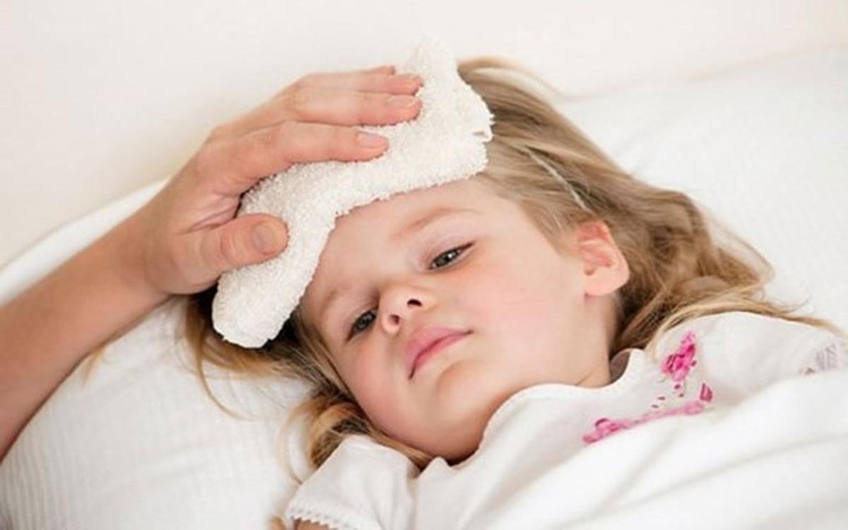 Đừng oán trách bản thân: Trẻ sơ sinh có hệ miễn dịch yếu nên dễ bị bệnh do đó hay san sẻ công việc với người trong gia đình và không tự trách bản thân khi con bị bệnh.