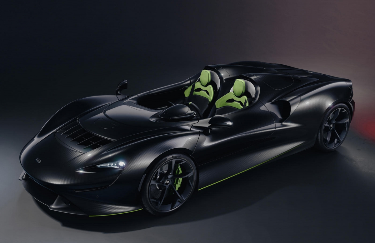 """Cùng với đó, McLaren cũng công bố hai kiểu thiết kế phối màu cho Elva, được đặt tên là """"Explore"""" (thám hiểm) và """"Timeless"""" (trường tồn), đi cùng với đó là 12 kiểu phối màu khác nhau."""