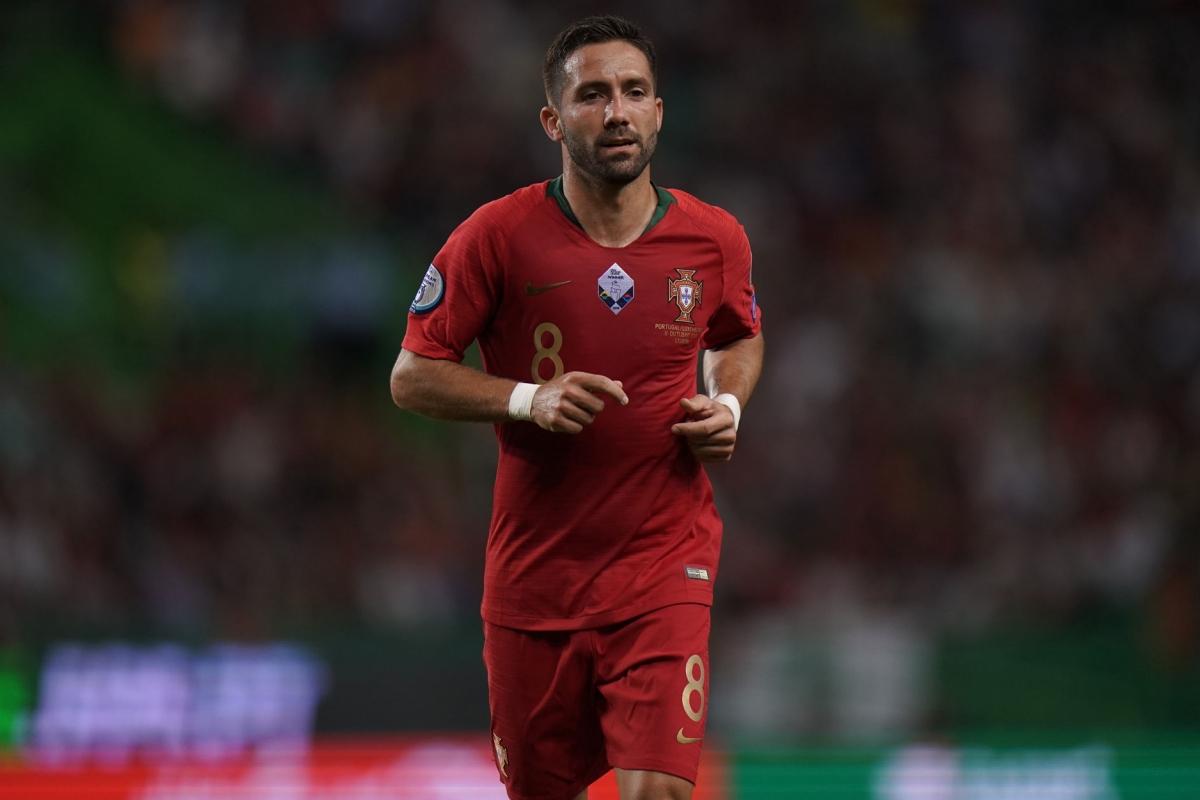 Tiền vệ: Joao Moutinho