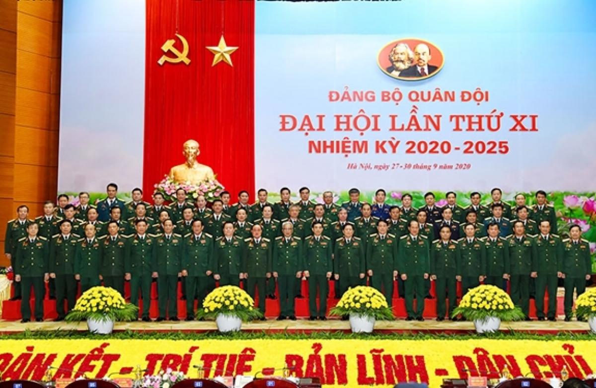 Ra mắt Đoàn Đại biểu Đảng bộ Quân đội dự Đại hội đại biểu toàn quốc lần thứ XIII của Đảng. Ảnh: QĐND
