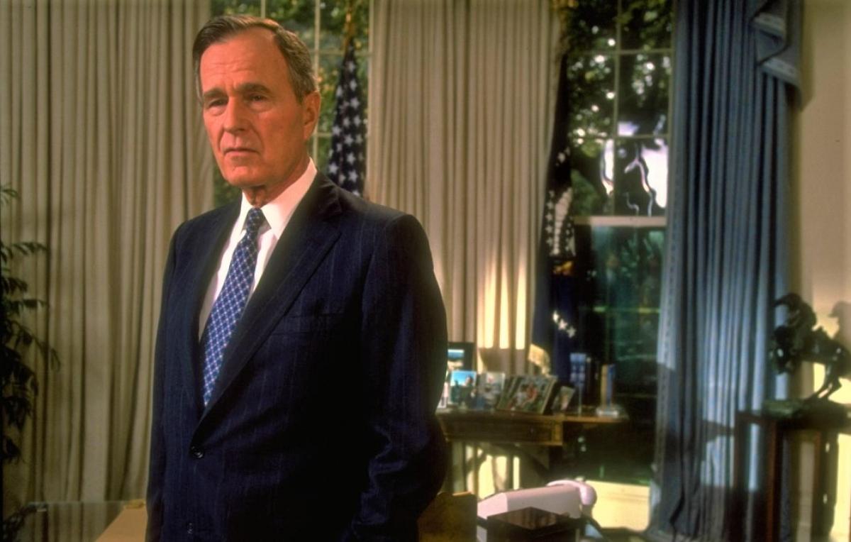 Tổng thống George H.W. Bush; Nguồn: history