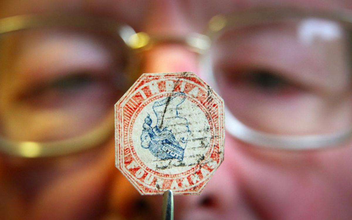 Giá của những con tem hiếm đã tăng 166%. Con tem có giá đắt nhất thế giới là