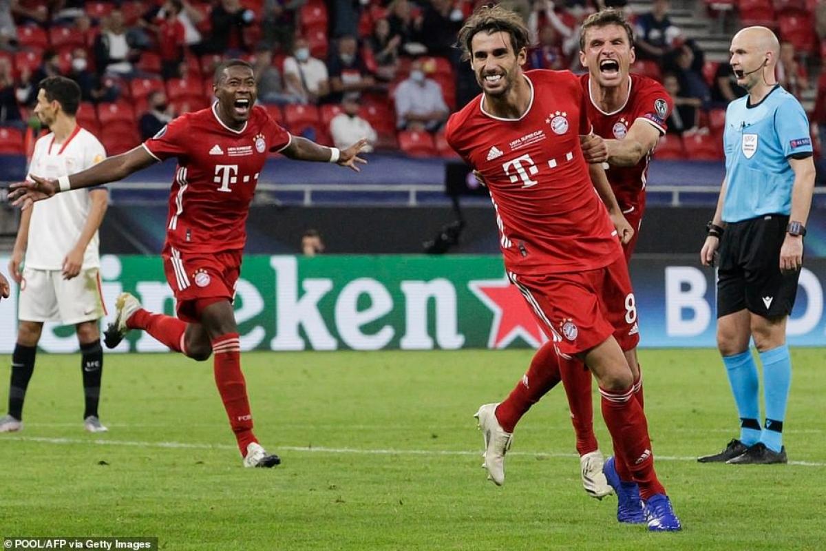 Martinez tưởng chừng đã hết thời ở Bayern, bất ngờ tỏa sáng sau khi vào sân từ ghế dự bị để mang về danh hiệu.