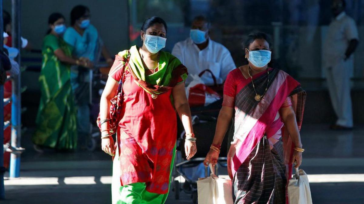 Tốc độ lây nhiễm và tử vong vì Covid-19 tại Ấn Độ đã đứng đầu thế giới. Ảnh: Reuters