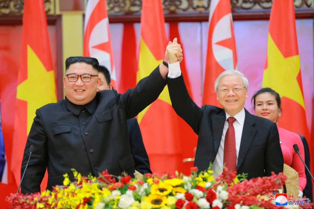Party General Secretary Nguyen Phu Trong and DPRK President Kim Jong Un during the former's visit to Vietnam in March 2019. (Photo: KCNA).