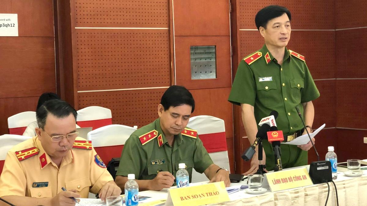 Thứ trưởng Bộ Công an Nguyễn Duy Ngọc phát biểu tại phiên họp