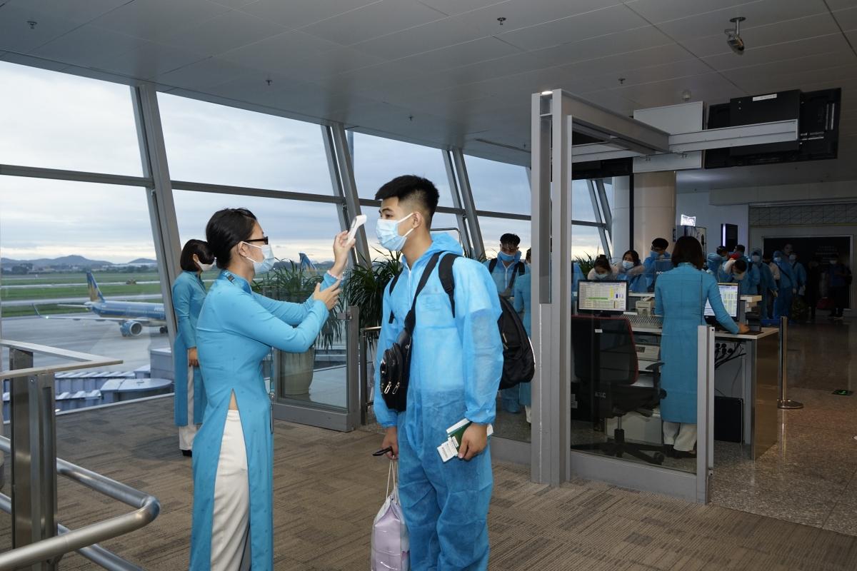 Từ ngày 1/10/2020, Vietnam Airlines sẽ khai thác trở lại 6 đường bay nội địa, gồm Hải Phòng-Đà Lạt, Nha Trang, Buôn Ma Thuột; Đà Nẵng-Đà Lạt, Buôn Ma Thuột; Hải Phòng-Đà Nẵng.