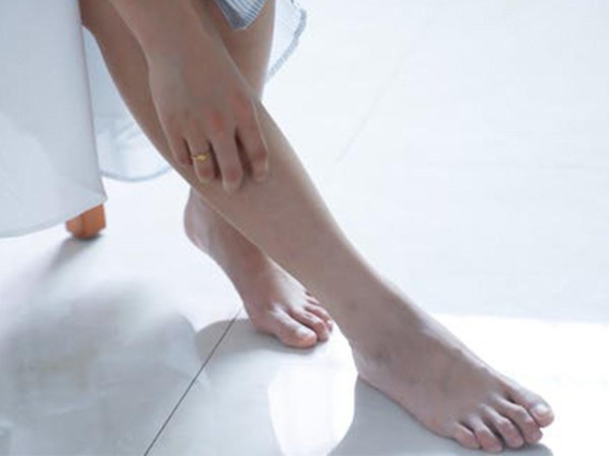 Không chườm nóng lên vùng bong gân hoặc gãy xương: Nghiên cứu cho thấy đối với tình trạng sưng đau có liên quan đến tổn thương xương, chườm lạnh sẽ có hiệu quả hơn chườm nóng, đặc biệt trong trường hợp bong gân, gãy xương hoặc phù nề.