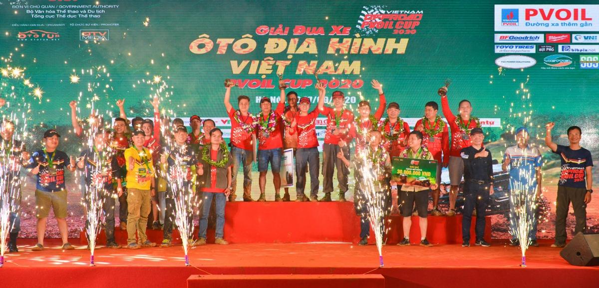 Lễ trao giải cho các đội đua giành chiến thắng.