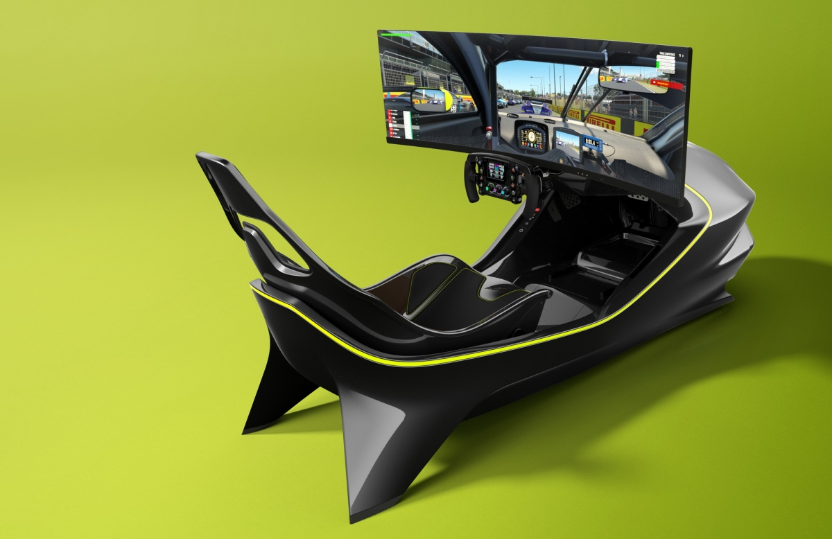 """Hiện tại, Aston Martin đã bắt đầu """"mở sổ"""" đặt hàng cho bộ thiết bị mô phỏng đua xe này. Giá bán được hãng công bố ở mức 74.000 USD, tương đương 1,71 tỷ đồng."""