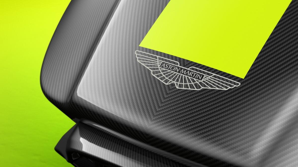 """""""Mục đích của chúng tôi là tạo ra một bộ thiết bị mô phỏng có thể cung cấp trải nghiệm đua xe thực tế ảo thật nhất có thể. Đua xe có những điểm thú vị riêng và thật tốt khi thấy chúng đang phát triển cùng đua xe Esport, sẽ ngày càng có nhiều người có thể trải nghiệm điều này hơn,"""" Darren Turner, tay đua kiêm chuyên gia mô phỏng của Aston Martin cho biết./."""