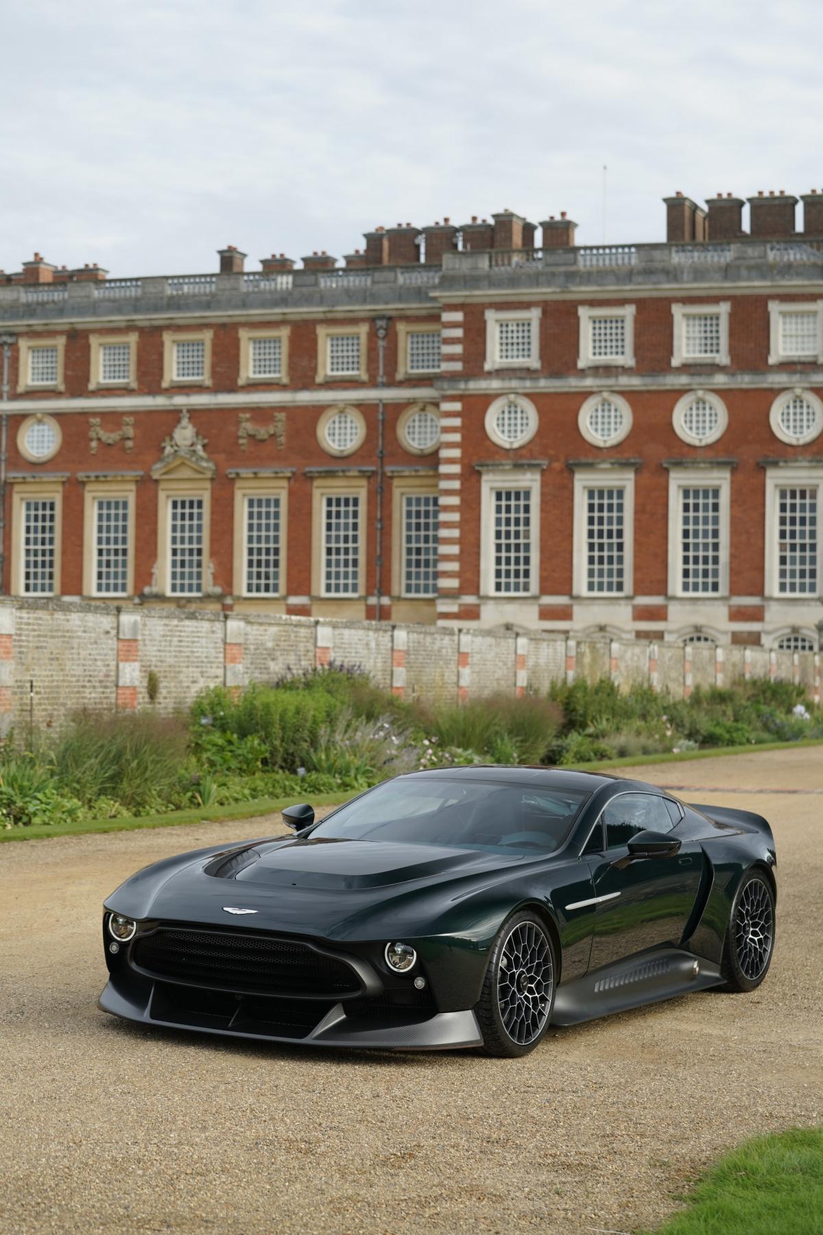 Giống với nhiều hãng siêu xe, xe sang trên khắp thế giới, Aston Martin cũng sở hữu cho mình bộ phận cá nhân hóa riêng có tên gọi là Q Division