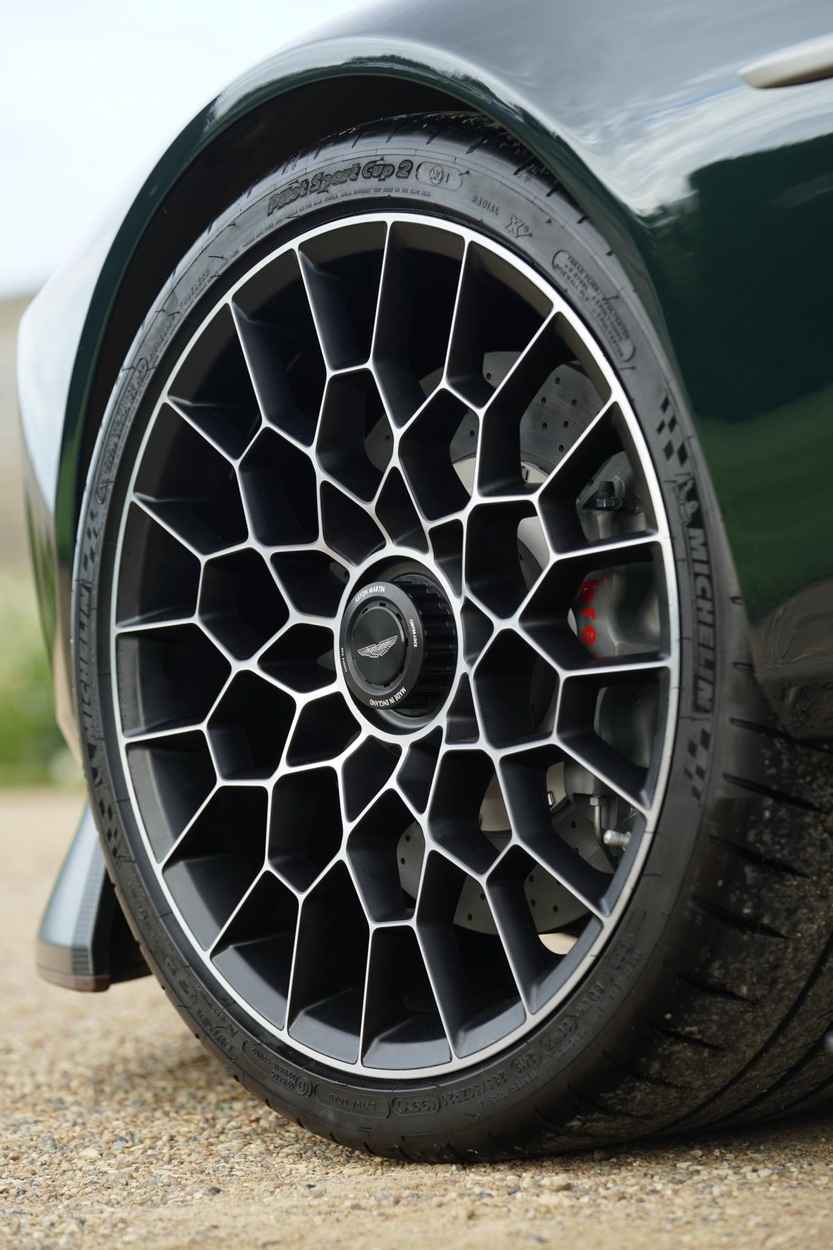 Aston Martin Victor của Q Division vừa được ra mắt cách đây không lâu tại sự kiện London's Concours of Elegance.