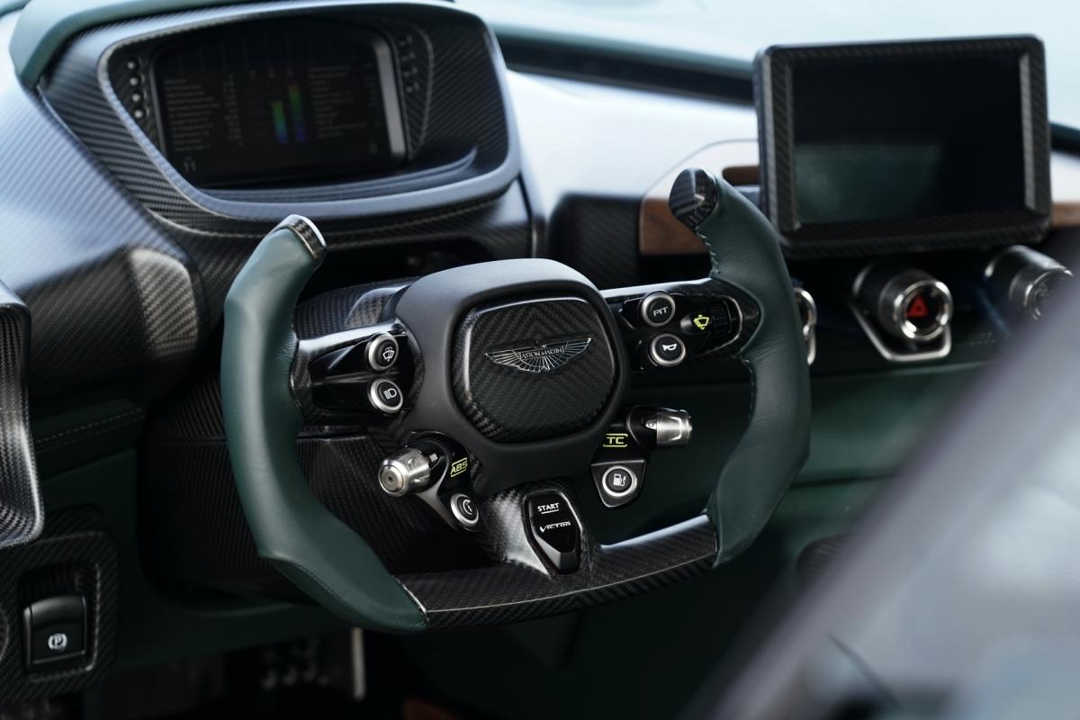 Chiếc Victor được hãng ra mắt nhằm kỷ niệm sinh nhật lần thứ 70 của dòng xe Vantage và dành riêng cho một khách hàng đặt biệt