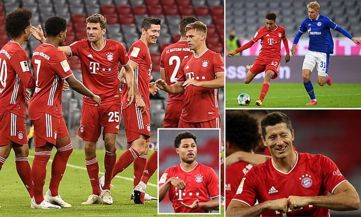 Bayern Munich khởi đầu mùa giải mới bằng màn vùi dập Schalke. (Ảnh: Daily Mail)