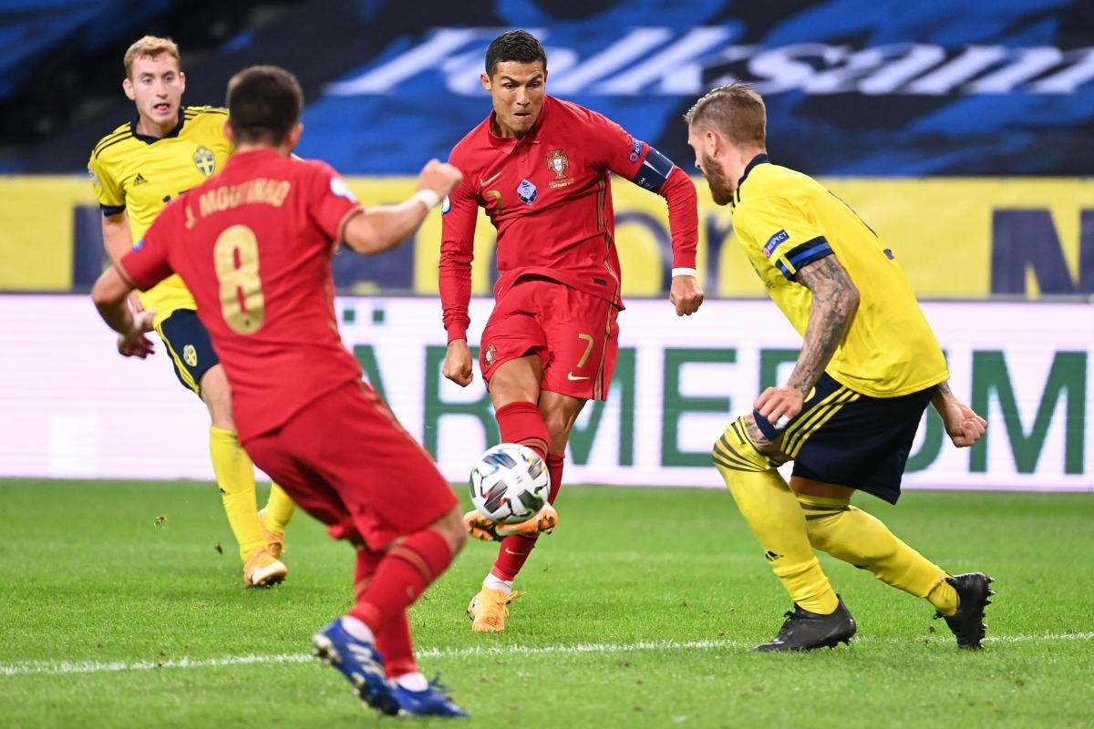 Cristiano Ronaldo đặc biệt có duyên với mành lưới Thụy Điển. (Ảnh: Getty)