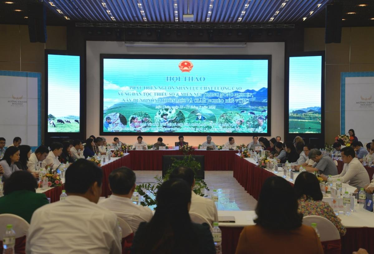 Hội thảo Phát triển nguồn nhân lực chất lượng cao vùng dân tộc thiểu số và miền núi .