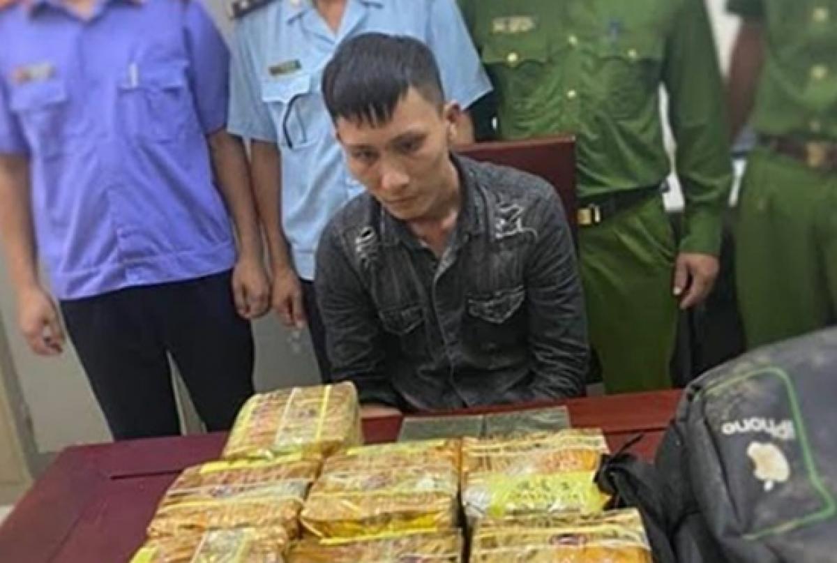 Đối tượng Lê Văn Hùng tại cơ quan công an.