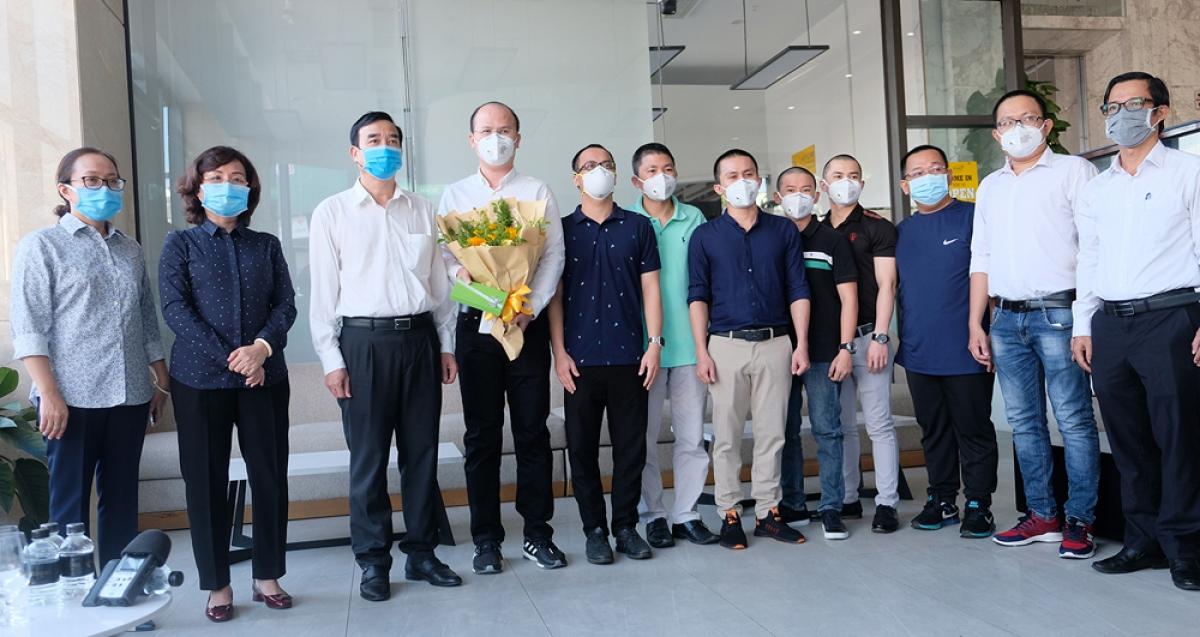 Chia tay đoàn bác sĩ trở về thành phố HCM sau khi hoàn thành chuyến công tác ở Đà Nẵng