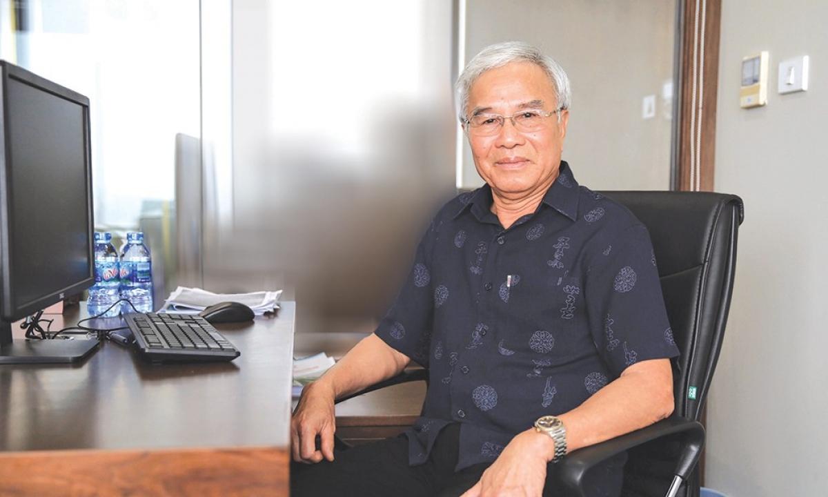 """PGS.TS Trần Chủng, Chủ tịch Hiệp hội Các nhà đầu tư công trình giao thông đường bộ Việt Nam cho rằng, phải có cơ chế kiểm soát chặt chẽ ngay từ khâu đấu thầu cho đến thiết kế, thi công; không để lọt các nhà đầu tư yếu kém tham gia dự án để """"chia phần""""."""