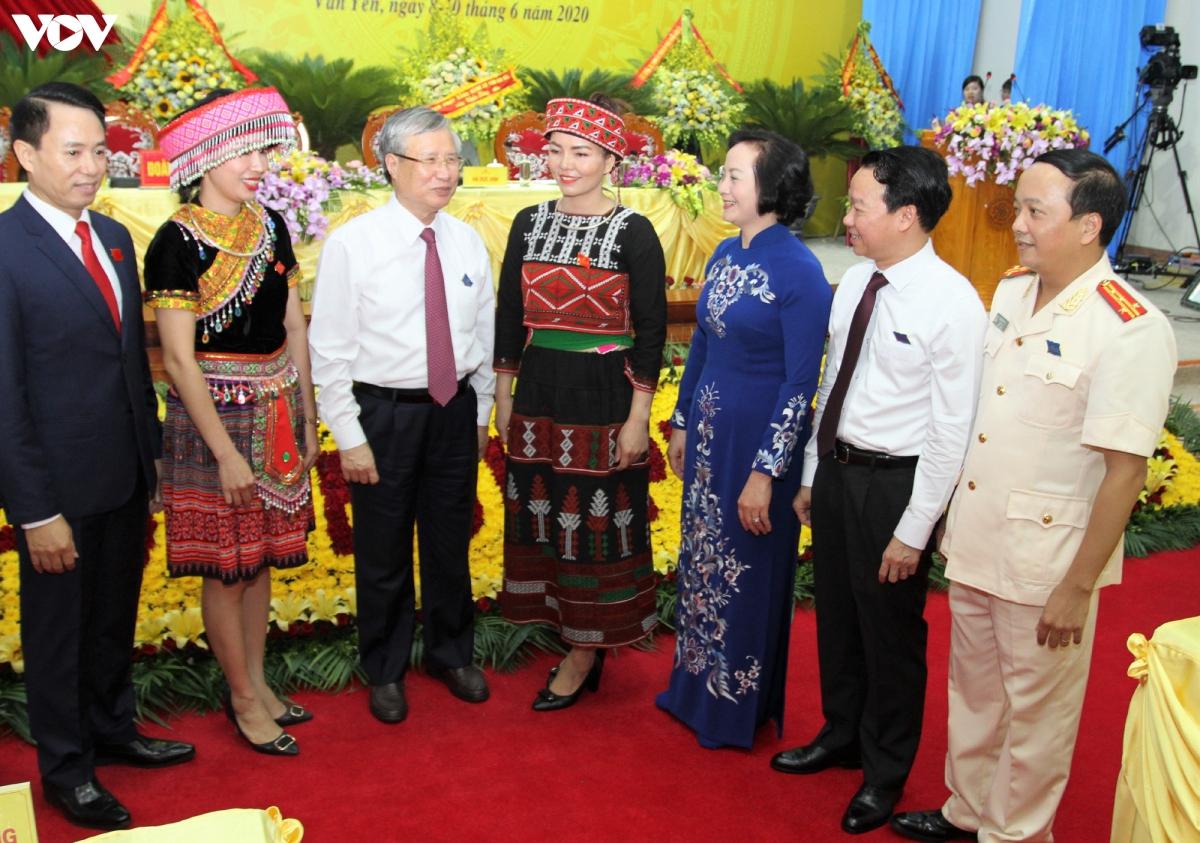 Thường trực Ban Bí thư Trần Quốc Vượng cùng các đại biểu dự Đại hội Đảng bộ huyện Văn Yên