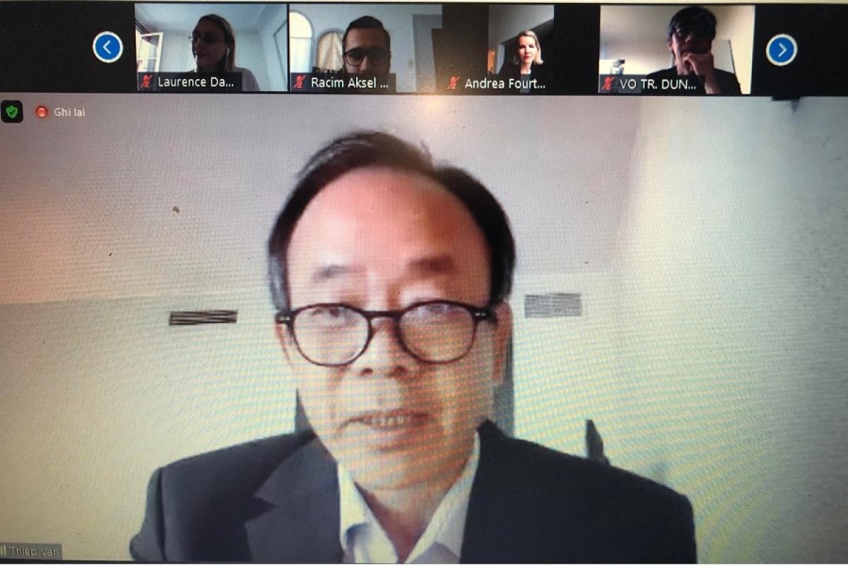 Đại sứ Nguyễn Thiệp phát biểu tại tọa đàm trực tuyến