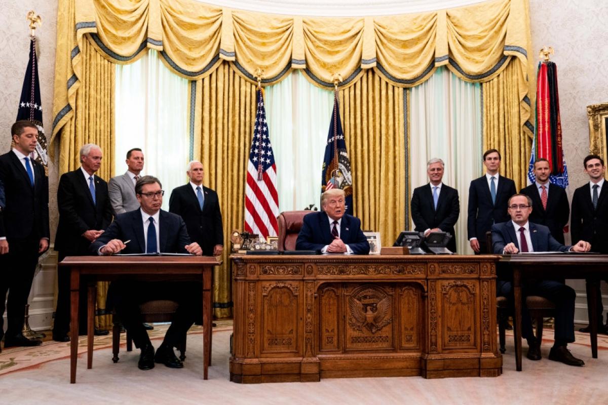 Thỏa thuận bình thường hóa quan hệ kinh tế giữa Serbia và Kosovo đã được kí kết (Ảnh theo easstbaytimes)