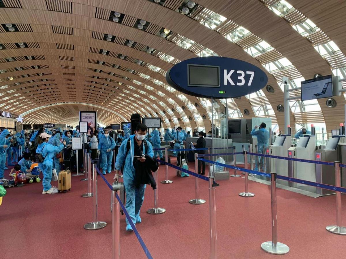 Đưa gần 280 công dân Việt Nam từ Pháp, Ma Rốc và Chile về nước.