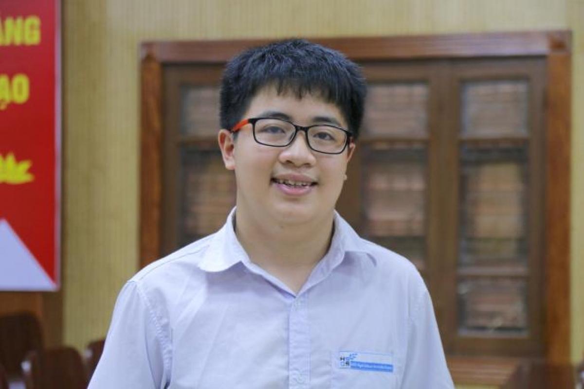 Ngô Quý Đăng, học sinh lớp 10 trường THPT chuyên Khoa học Tự nhiên.