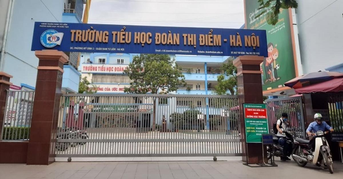 Trường Tiểu học Đoàn Thị Điểm (Nam Từ Liêm, Hà Nội) lại vừa xảy ra vụ việc quên học sinh trên xe ô tô đưa đón.