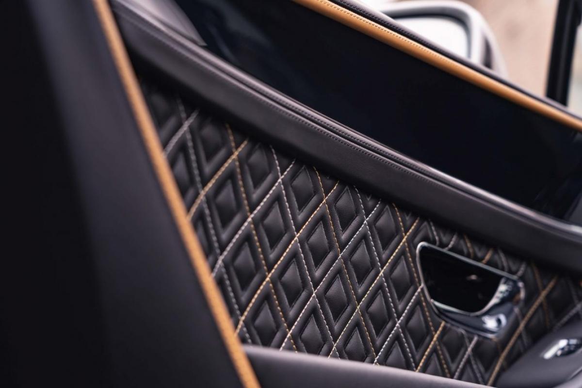 Với sức mạnh này, Continental GT W12 sẽ có khả năng tăng tốc lên 100 km/h trong 3,6 giây trước khi đạt tốc độ tối đa 333 km/h.