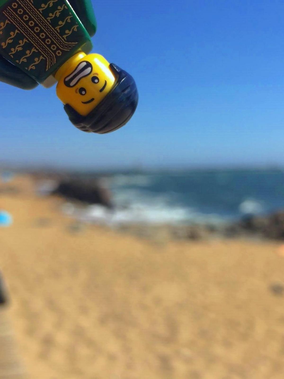 Ra biển mà không cần bôi kem chống nắng.