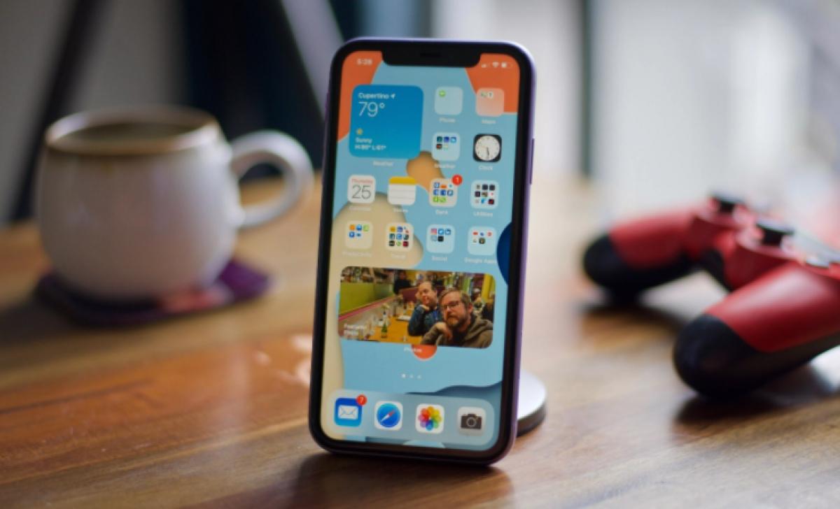 iOS 14 cho phép gắn thẻ tên trong iMessage tương tự như messenger (Ảnh: Cnet)