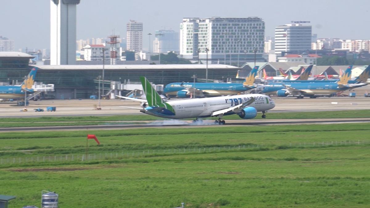Ngày 15/9, Văn phòng Chính phủ có văn bản thông báo kết luận của Phó Thủ tướng Phạm Bình Minh tại cuộc họp bàn về khôi phục các chuyến bay thương mại quốc tế thường lệ giữa Việt Nam và một số quốc gia.