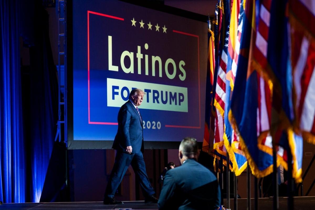 Nhóm lớn người Mỹ gốc Latin nhận thấy rất ít lý do để chọn ông Biden thay vì Tổng thống Trump. Ảnh: New York Times