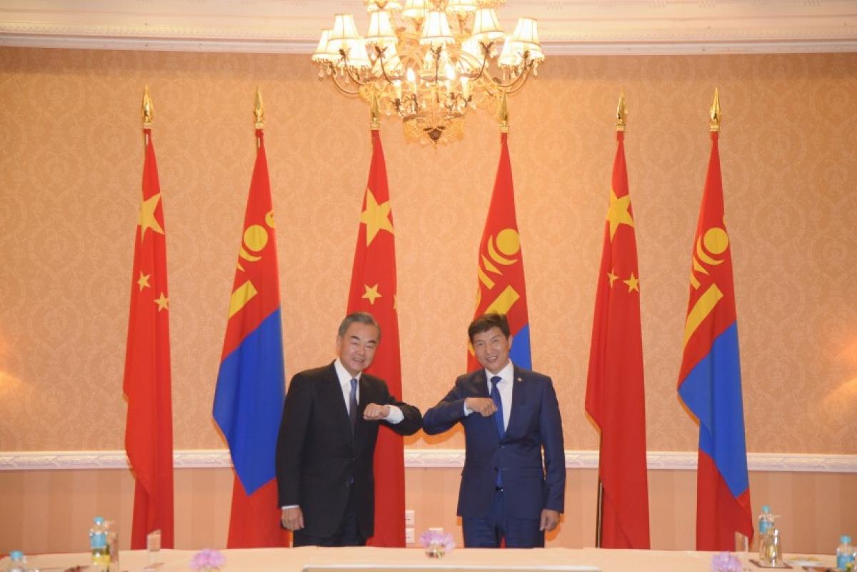 Ngoại trưởng Trung Quốc và Ngoại trưởng Mông Cổ. Nguồn Montsame.