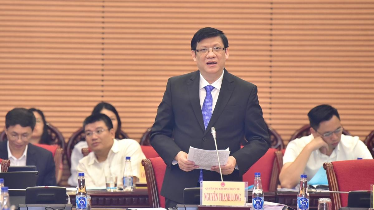 Quyền Bộ trưởng Bộ Y tế Nguyễn Thanh Long báo cáo tại phiên làm việc sáng 28/9