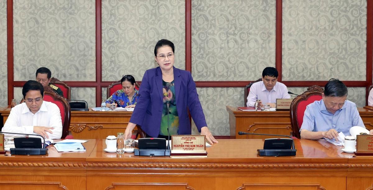 Chủ tịch Quốc hội Nguyễn Thị Kim Ngân chủ trì buổi làm việc với Ban Thường vụ Tỉnh uỷ Vĩnh Long. Ảnh: Lê Tuyết