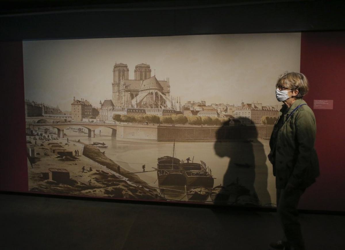 Nhiều tác phẩm lần đầu tiên được giới thiệu đến công chúng. Ảnh: AP Photo/Michel Euler