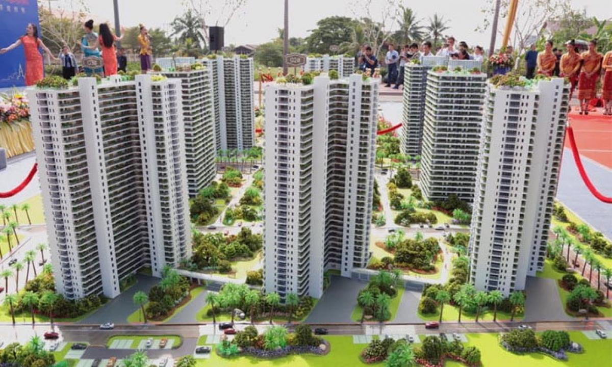 Một dự án chung cư đã được khởi công xây dựng ở Đặc khu kinh tế Đầm Thạt luổng- thủ đô Vientiane trị giá 1,6 Tỷ USD của Tập đoàn Wanpheng Shanghai, Trung Quốc đầu tư. Ảnh: KT