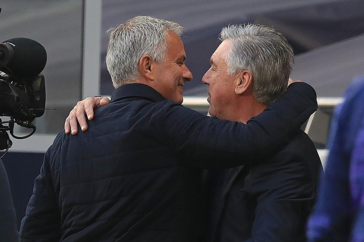 HLV Mourinho và Ancelotti đấu trí tại vòng 1 Premier League 2020/2021 (Ảnh: Getty).